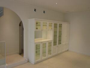 ディスプレイ収納 框扉 サンメント ホワイト
